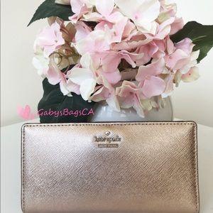 👛👜💕Kate Spade Bifold Wallet Rose Gold